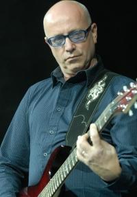 Bruce Gaitsch